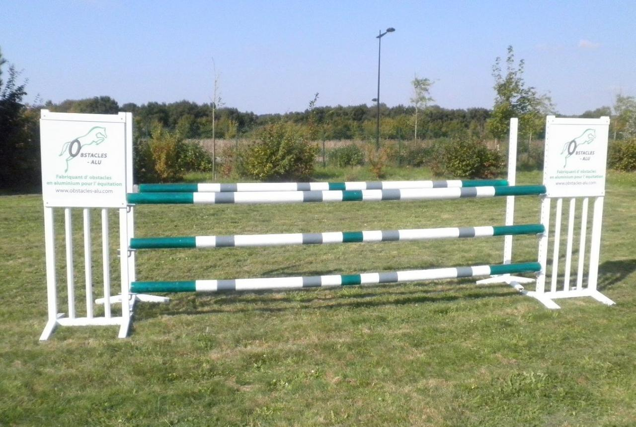 obstacle publicitaire pour jumping